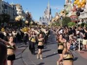 ucf-parade-at-magic-kingdom-13