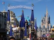 ucf-parade-at-magic-kingdom-21