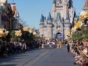 ucf-parade-at-magic-kingdom-4