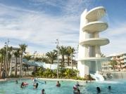 09_cabana-courtyard-pool