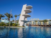 15_cabana-courtyard-pool-2