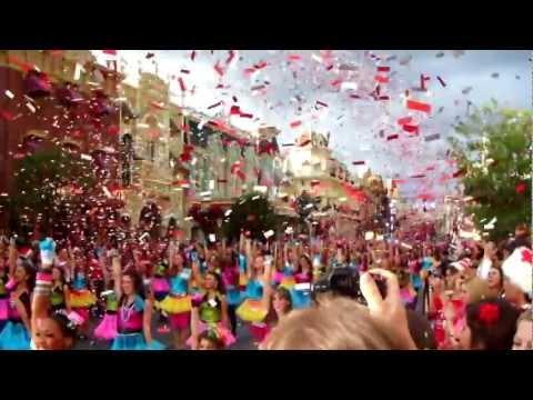 Highlights from Disney Parks Christmas Day Parade taping at Magic Kingdom