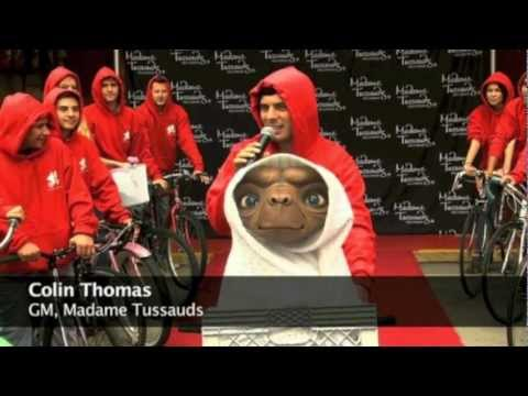 E.T. wax figure unveiled at Madame Tussauds in Hollywood for Blu-ray premier
