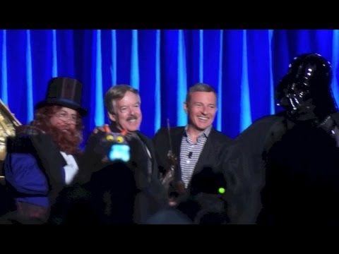 Imagineer Tony Baxter's Disney Legends speech with Dreamfinder, Figment and Darth Vader