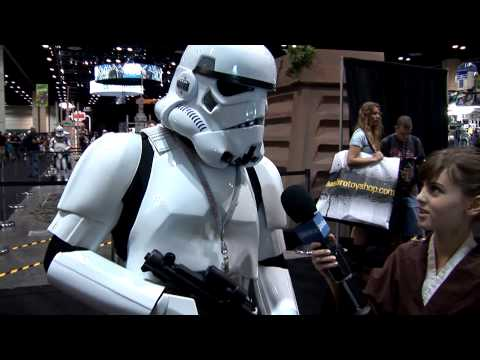 Tour the Star Wars Celebration V hall floor with Jedi Mindy - See characters, fans, droids and more