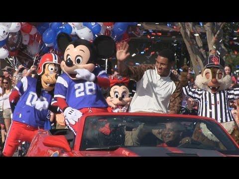 Super Bowl MVP Malcolm Smith goes to Disney World in a parade through Magic Kingdom