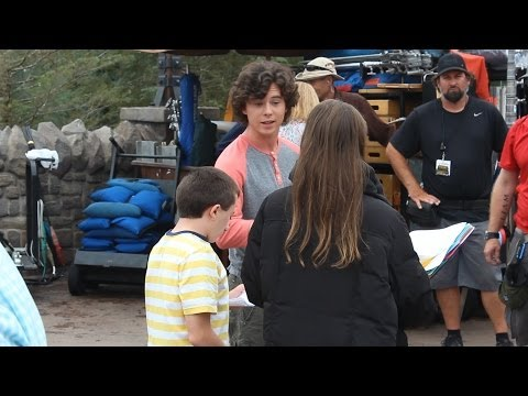 """Cast of ABC's """"The Middle"""" taping scenes for season finale at Magic Kingdom"""