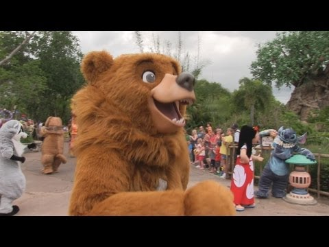 Rare characters appear in Mickey's Jammin' Jungle Parade during Limited Time Magic