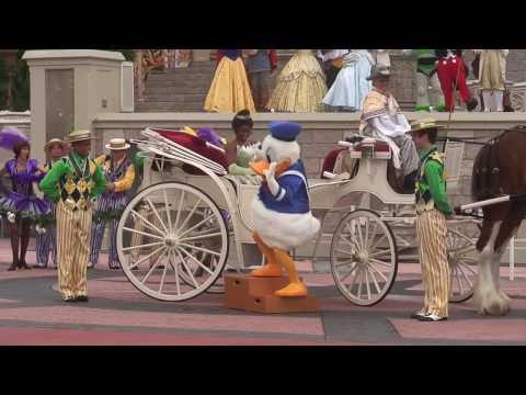 Princess Tiana's special Magic Kingdom welcome castle show