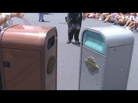 Push the Talking Trash Can entertains guests before the parade at Disney's Magic Kingdom