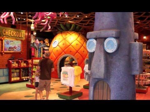 Inside SpongeBob StorePants at Universal Studios - Meet SpongeBob SquarePants