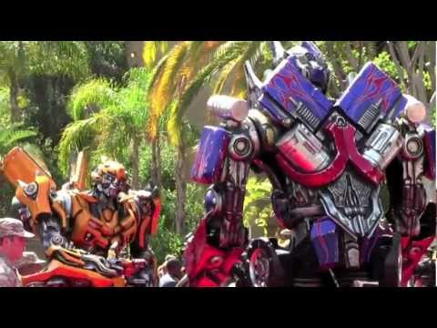 Optimus Prime & Bumblebee walk the red carpet at Transformers: The Ride grand opening