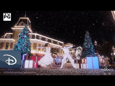 The Wonderful World Of Disney: Magical Holiday Celebration   Disney Parks