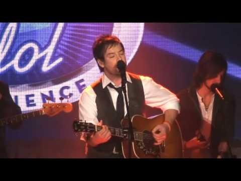 David Cook sings 'Light On' at Disney World's American Idol Experience