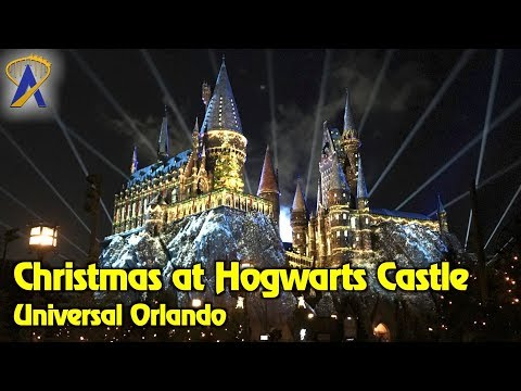 """4K """"The Magic of Christmas at Hogwarts Castle"""" projection show at Universal Orlando"""