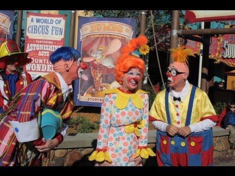 Photo Finds: FastPass+, Giggle Gang, Wowzer, Adventureland construction - Dec. 24, 2012