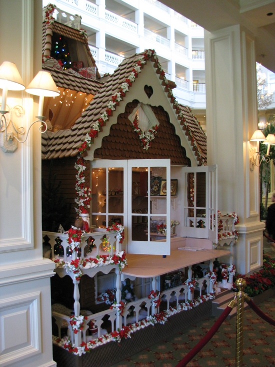 Life size gingerbread house ideas