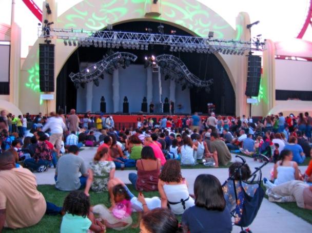 Universal Studios Mardi Gras stage