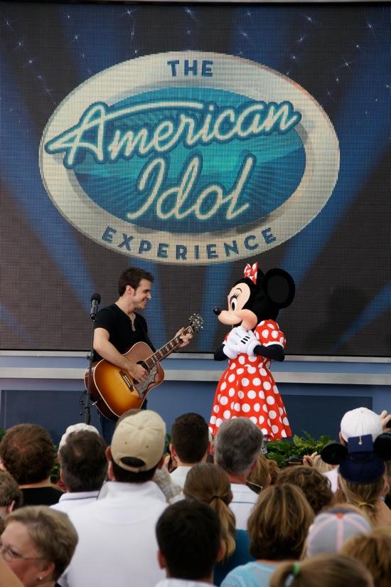 Kris Allen at Walt Disney World with Minnie Mouse