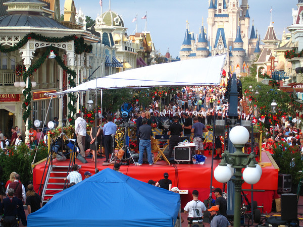 Christmas Day Parade.Sign Up To Attend The 2009 Disney Parks Christmas Day Parade