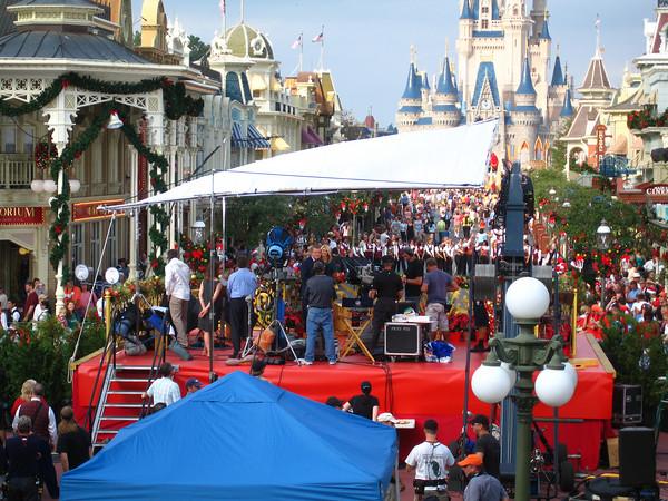 its - Disney Christmas Day Parade