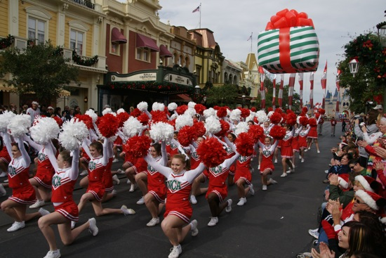 Disney Christmas Parade Taping 2019.More Photos And Video From Disney S Christmas Day Parade
