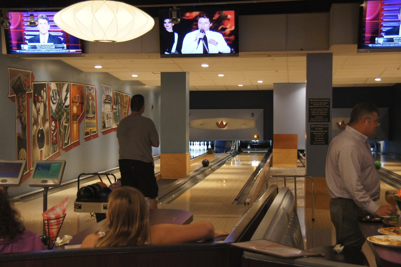 A fresh look at Splitsville - restaurant/bowling alley coming to ...
