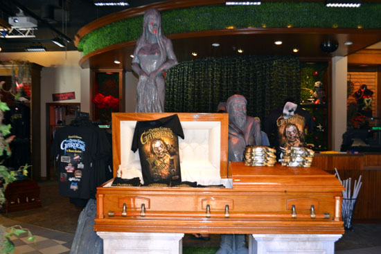 Howl O Scream Shop Of Horrors Now Open New Houses Coming