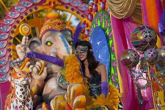 2013 Universal Studios Mardi Gras float