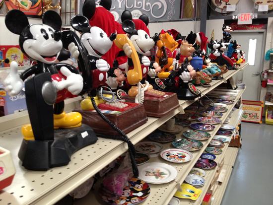Theme Park Connection, Mickey, Disneyana, Fantasy of Flight