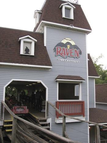 Raven_start-house