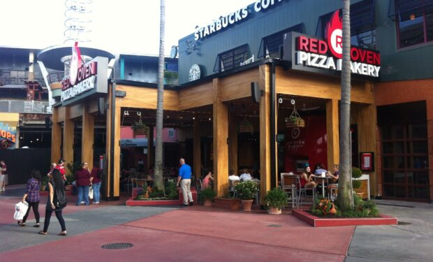Red Oven Pizza Bakery exterior