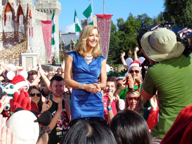 Disney Parks Christmas Day Parade Lara Spencer