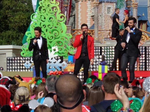 Disney Parks Christmas Day Parade Il Volo