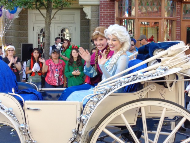 Disney Parks Christmas Day Parade anna elsa frozen
