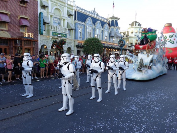 Disney Parks Christmas Day Parade star wars
