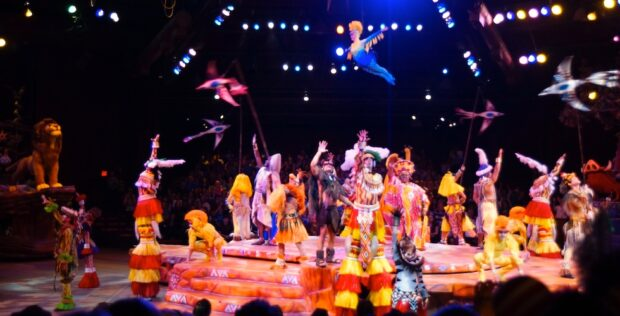 End of the Festival of the Lion King show in Camp Miniie-Mickey