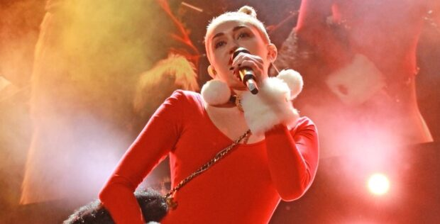 Miley Cyrus at Jingle Ball in Tampa 2013