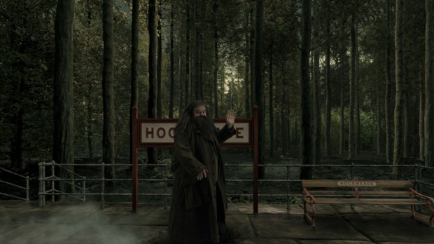 Hogwarts Express Animation - Hagrid at Hogsmeade Station