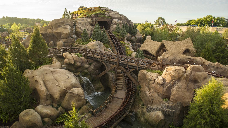 7 dwarfs mine train coaster videos