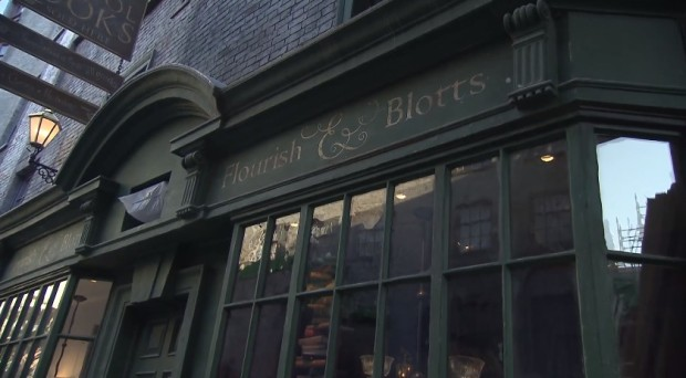 Inside Diagon Alley at Universal 3