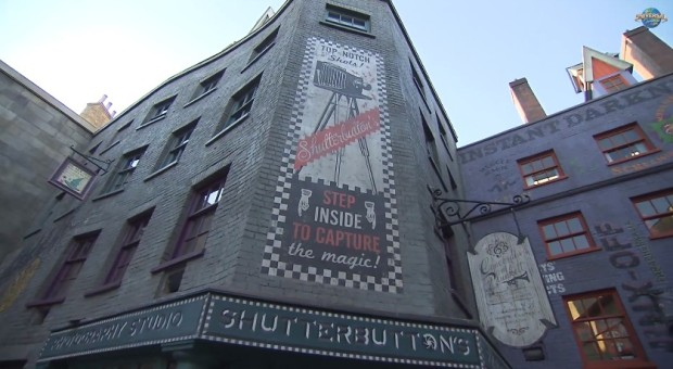Inside Diagon Alley at Universal 37