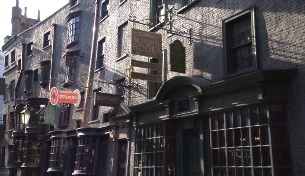 Inside Diagon Alley at Universal 788
