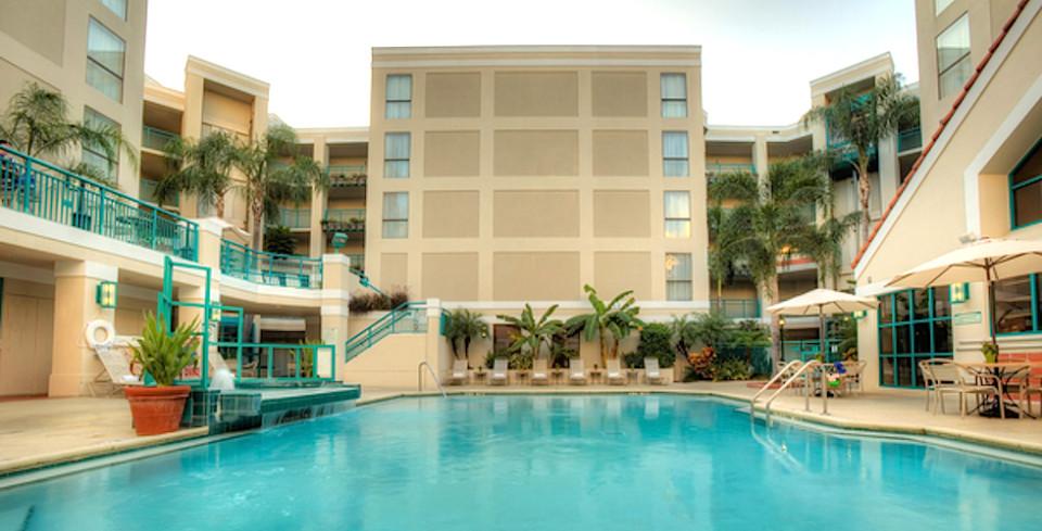 Sonesta ES Suites Orlando pool
