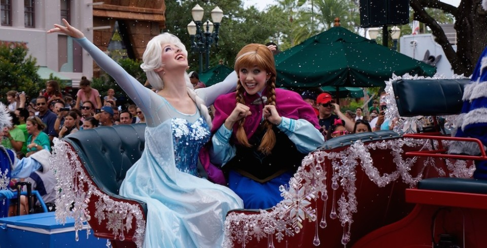 frozen summer anna and elsa in parade
