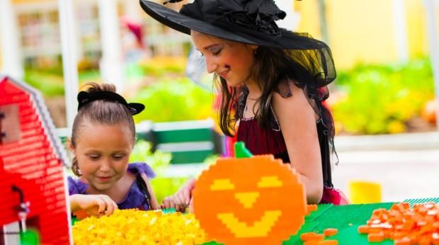 Legoland Florida brick-or-treat halloween
