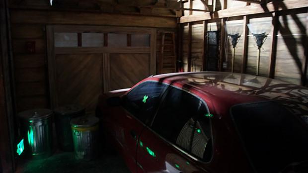 F14-garageDoor
