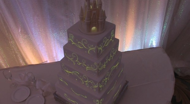 disney's fairytale weddings cake image mapping