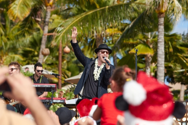 Gavin DeGraw Disney Parks Frozen Christmas Celebration