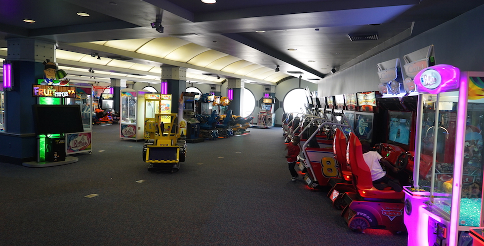 Tomorrowland Arcade At Space Mountain Now Closed